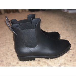 Shoes - Black rain booties